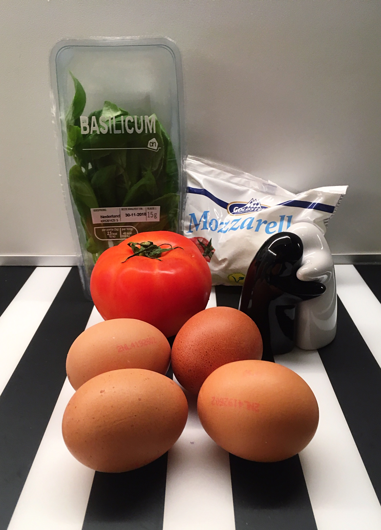 caprese omelet ingredients